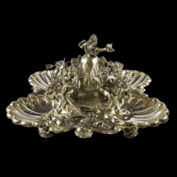 Reneszánsz stílusú olasz ezüst asztali szökőkút