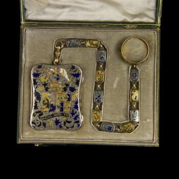Francia zománcozott ezüst vinaigrette lánccal és gyűrűvel
