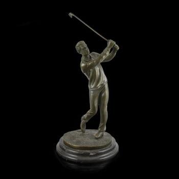 Golfozó férfi bronz kisplasztika