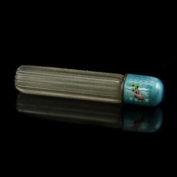 Parfümös üvegcse lüszterzománc kupakkal