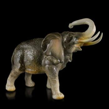 Porcelán elefánt figura
