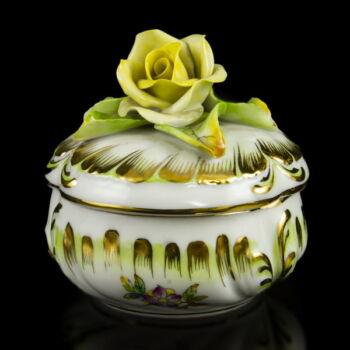Herendi Viktória mintás (VBO) bonbonier sárga rózsás fedéllel