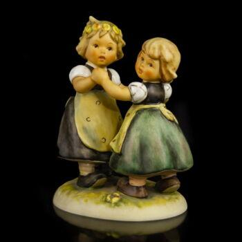 Hummel Goebel kerámia figurapár táncoló kislányok