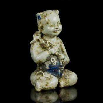 Kínai mázas porcelán figura lótuszvirággal