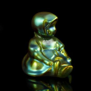 Zsolnay eozin mázas ülő kislány figura