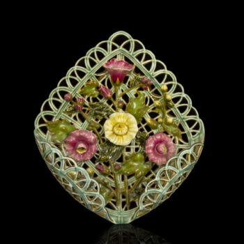 Zsolnay fali dísztál áttört és plasztikus virág díszítéssel