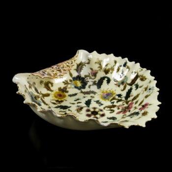 Zsolnay kínálótál perzsa dekorral