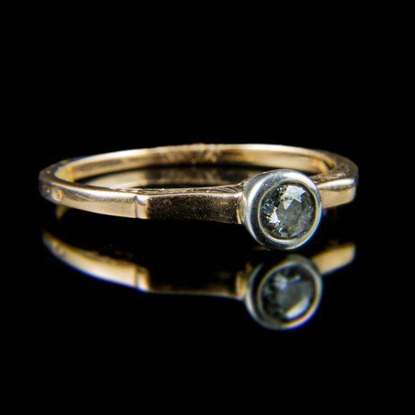 Eljegyzési gyűrű gyémánt kővel (0.25 ct)