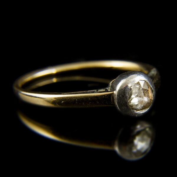 14 karátos arany szoliter gyűrű ezüst bouton foglalatban gyémánt kővel