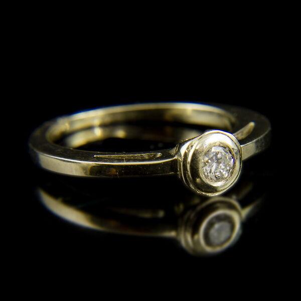 14 karátos fehérarany gyűrű bouton foglalatban gyémánt kővel (0.16 ct)