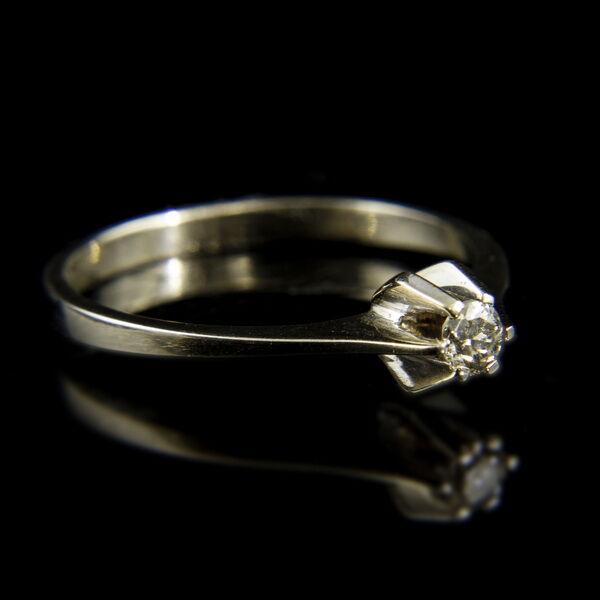 14 karátos fehérarany szoliter gyűrű hatkarmos foglalatban gyémánt kővel (0.08 ct)