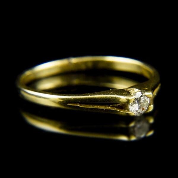 14 karátos sárgaarany eljegyzési gyűrű briliáns csiszolású gyémánt kővel (0.17 ct)