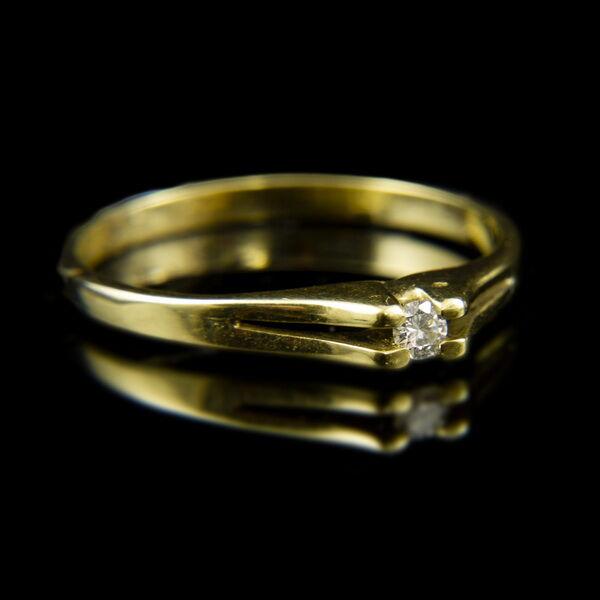14 karátos sárgaarany eljegyzési gyűrű gyémánt kővel (0.05 ct)