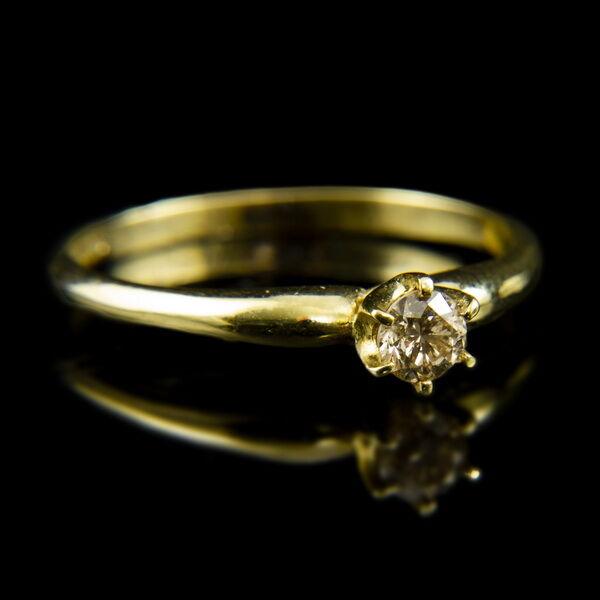 14 karátos sárgaarany eljegyzési gyűrű gyémánt kővel (0.22 ct)
