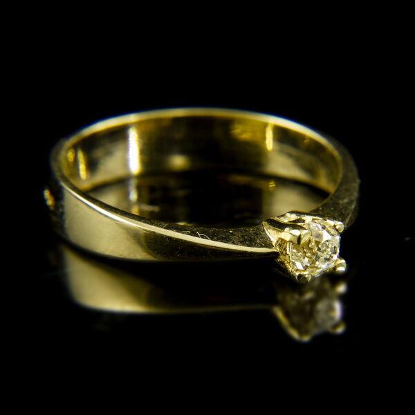 14 karátos sárgaarany szoliter gyűrű régi csiszolású gyémánt kővel (0.28 ct)
