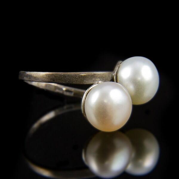 Ezüst Toi et Moi fazonú gyűrű két gyönggyel