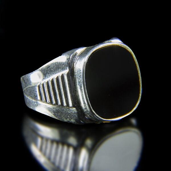 Ezüst férfi pecsétgyűrű fekete ónix kővel