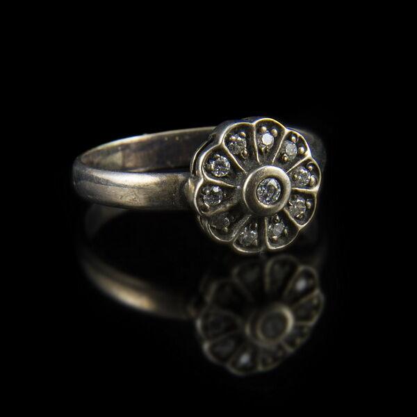 Rozetta fazonú cirkónia köves gyűrű