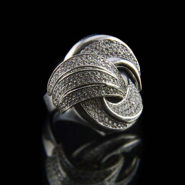 Sterling ezüst gyűrű üveg kövekkel