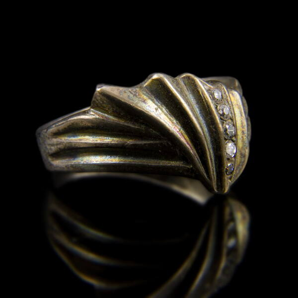 Sterling ezüst gyűrű 5 apró cirkónia kővel