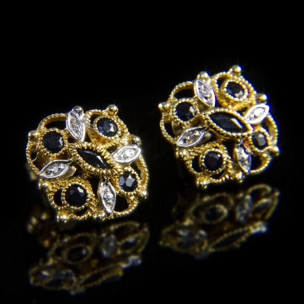 Zafírköves arany stiftes fülbevaló pár