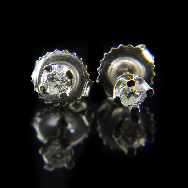 Stiftes fehérarany gyémánt köves fülbevaló