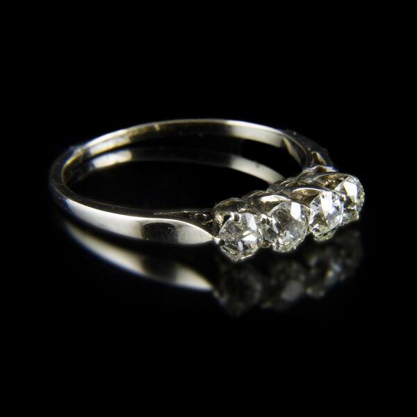 Alliance fazonú 4 köves gyémánt gyűrű