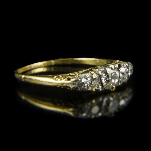 Alliance fazonú női arany gyűrű gyémánt kövekkel