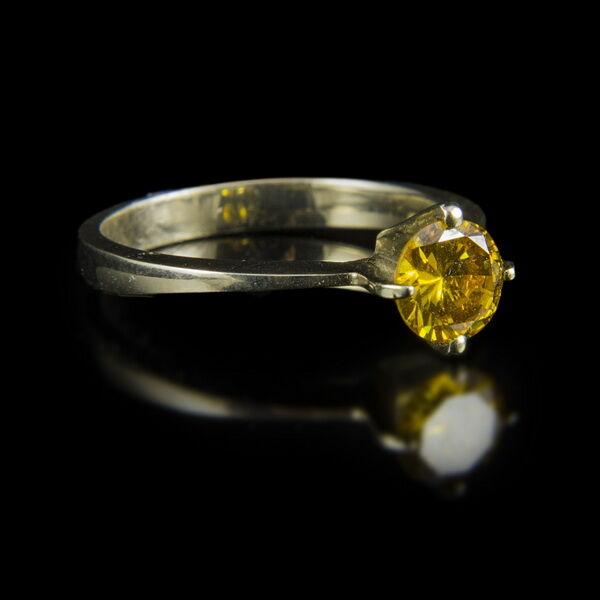 Eljegyzési gyűrű narancs színű gyémánt kővel (0.77 ct)