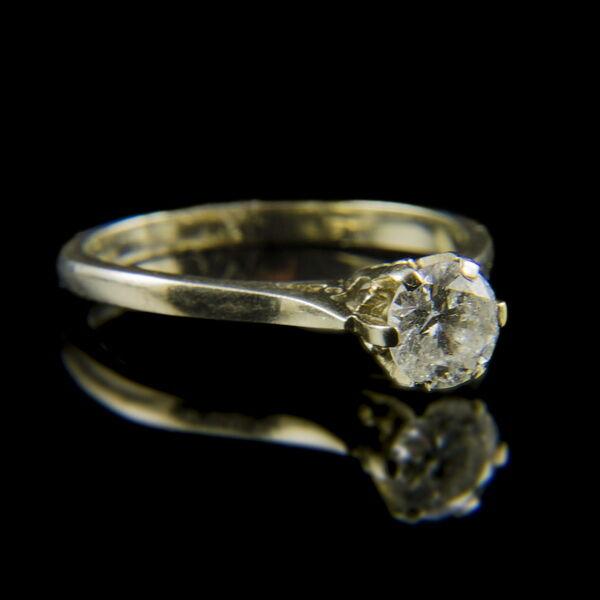 Fehérarany eljegyzési gyűrű briliáns csiszolású gyémánt kővel (0.60 ct)