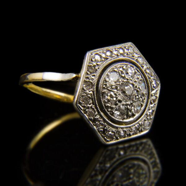 Hatszögletes női arany gyűrű gyémánt kövekkel