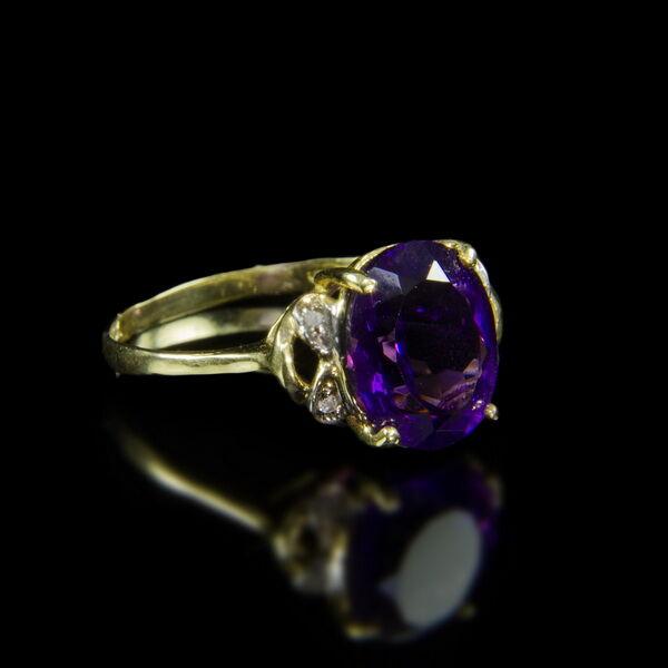 Iolit köves női aranygyűrű