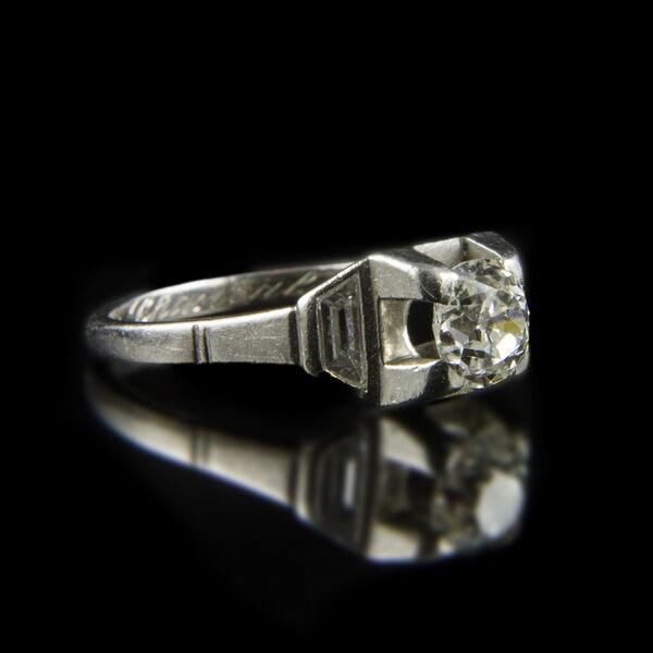 Szoliter fazonú gyémánt gyűrű