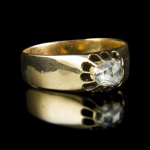 Szoliter fazonú gyűrű hollandirózsa csiszolt gyémánttal