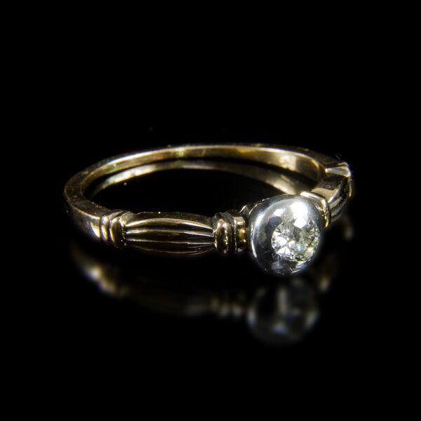 Szoliter fazonú női gyémánt gyűrű  (0,30 ct)