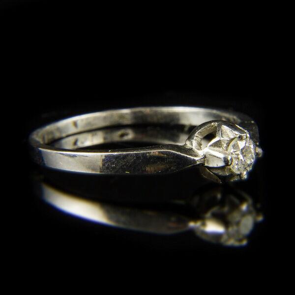 14 karátos fehérarany szoliter gyűrű briliáns csiszolású gyémánt kővel (0.15 ct)