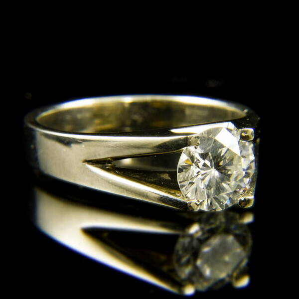 14 karátos fehérarany szoliter gyűrű briliáns csiszolású gyémánt kővel (1.72 ct)