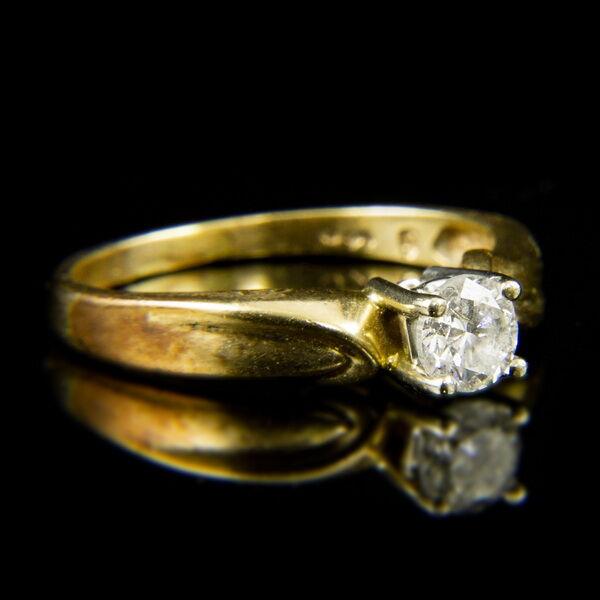 14 karátos sárgaarany eljegyzési gyűrű briliáns csiszolású gyémánt kővel (0.35 ct)