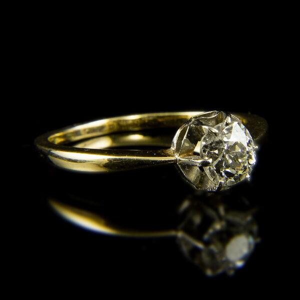14 karátos sárgaarany szoliter gyűrű régi csiszolású gyémánt kővel (0.64 ct)