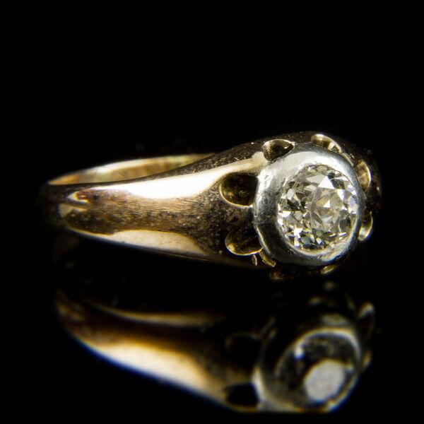 14 karátos sárgaarany szoliter gyűrű régi csiszolású gyémánt kővel (0.65 ct)
