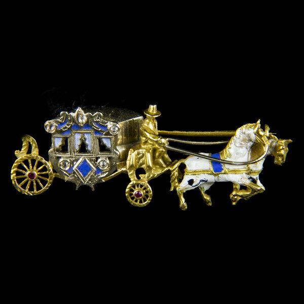 Hintó alakú arany bross zománc díszítéssel
