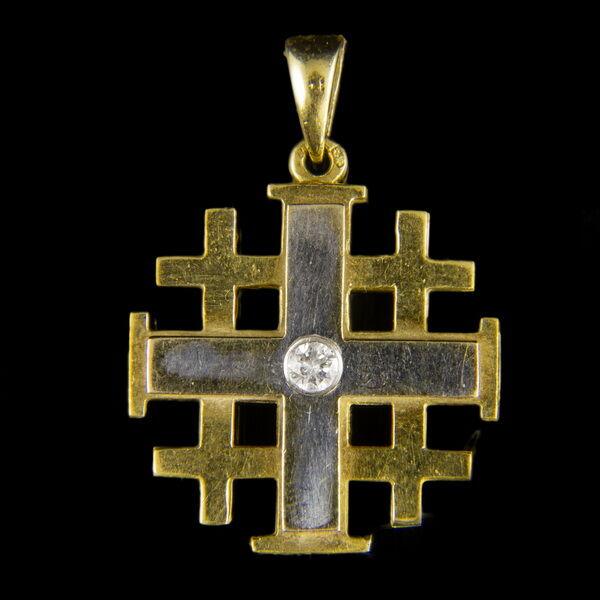 18 karátos arany jeruzsálemi kereszt medál gyémánt kővel