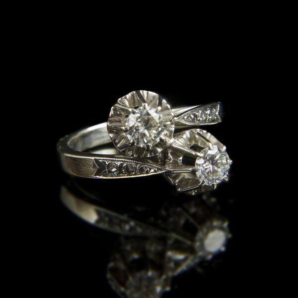 Női gyémánt köves fehérarany gyűrű (Toi et Moi fazon)