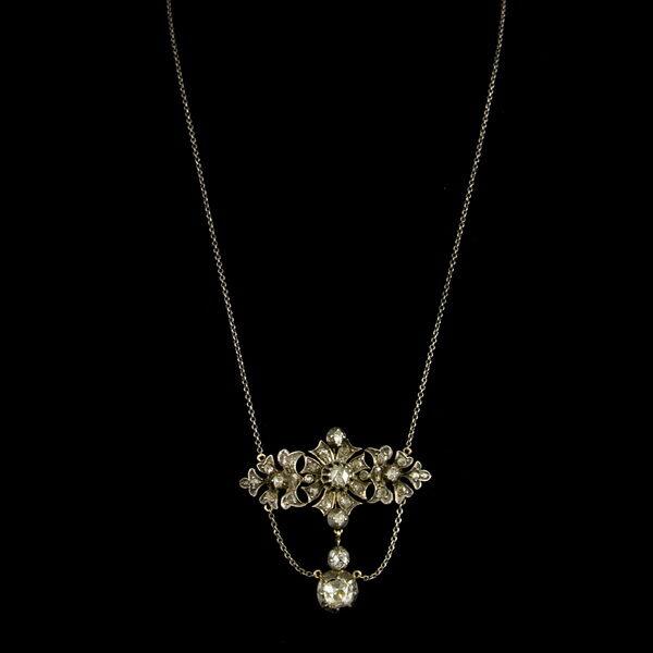 Colier gyémántokkal