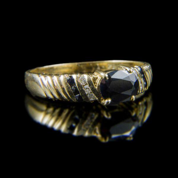 Zafír és gyémánt köves arany gyűrű