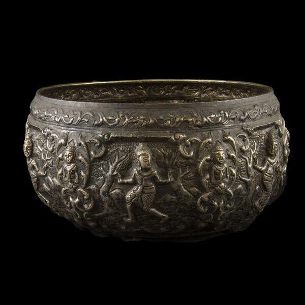 Burmai ezüst nagy tál 545 g