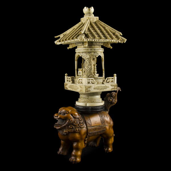 Elefántcsont Buddha szentély Foo kutya talapzaton
