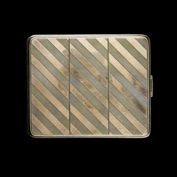 Bécsi aranyozott ezüst cigarettatárca