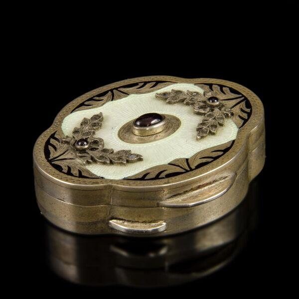 Ezüst szelence lüszter zománc gyémánt és rubin ékítésekkel