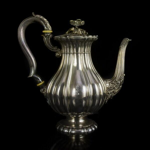 Francia ezüst kávéskanna virágos fedéllel
